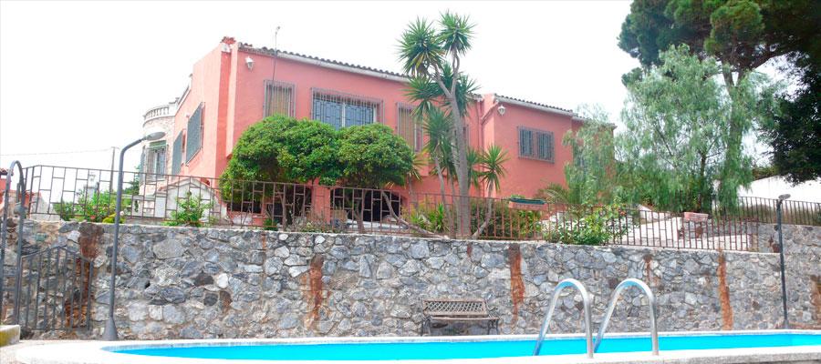 Bella casa situata sulla famosa costa brava maresme for Piani casa da 4000 a 5000 piedi quadrati